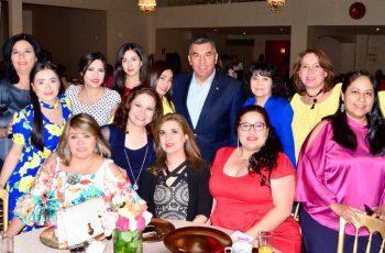Festejan a mamás trabajadoras del Gobierno del Estado