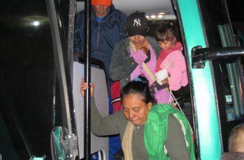 Llegan primeros camiones con migrantes centroamericanos a Mexicali