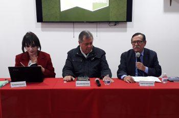Presenta Martínez Veloz su libro en Mexicali