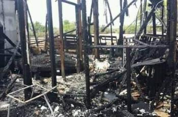 Incendio deja sin casa a familia del 43