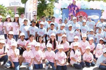 Celebran a los niños en Cadenas de Ayuda para México