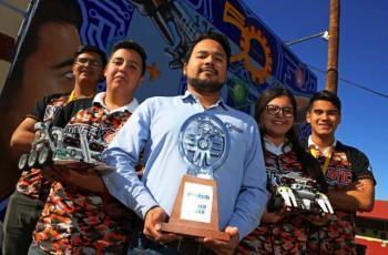 Jóvenes del CBTIS 21 van a concurso de robótica a China
