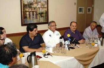 Sindicatos ofrecen apoyo a Gustavo Sánchez